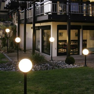 Декоративні вуличні світильники