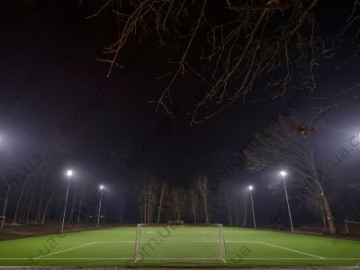 Освітлення футбольного стадіону в місті Буча