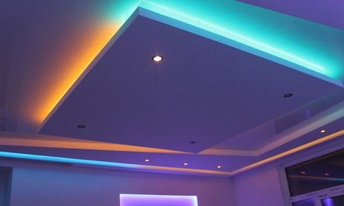 Освещение потолка светодиодная лента и споты