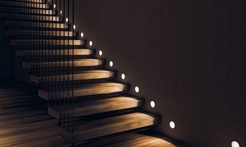 Світлодіодні стрічки елемент підсвічування сходів
