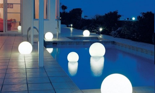 Плавающиесветильники для басейнів